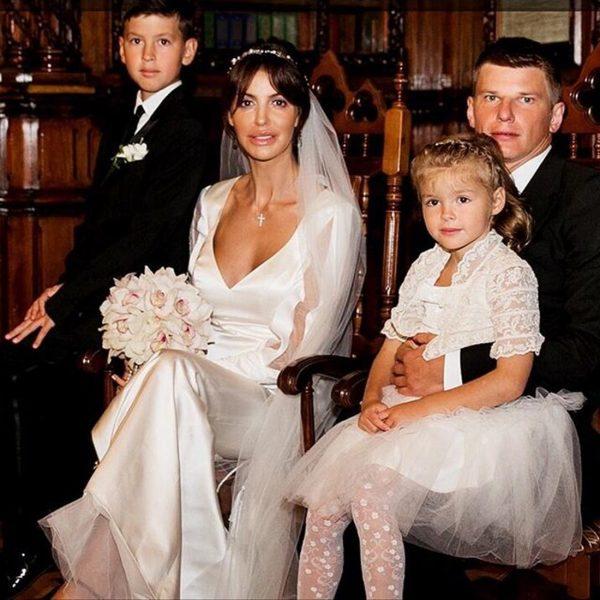 Алиса Казьмина и Андрей Аршавин с детьми Алисы от первого брака,