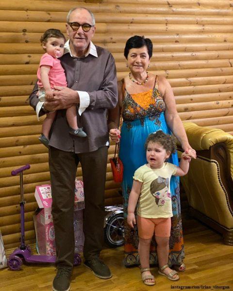 Эммануил Виторган с семьей,