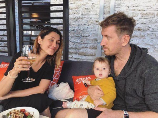Кирилл Кяро с женой и дочкой