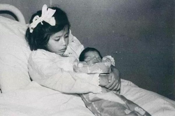 Лина Медина с сыном