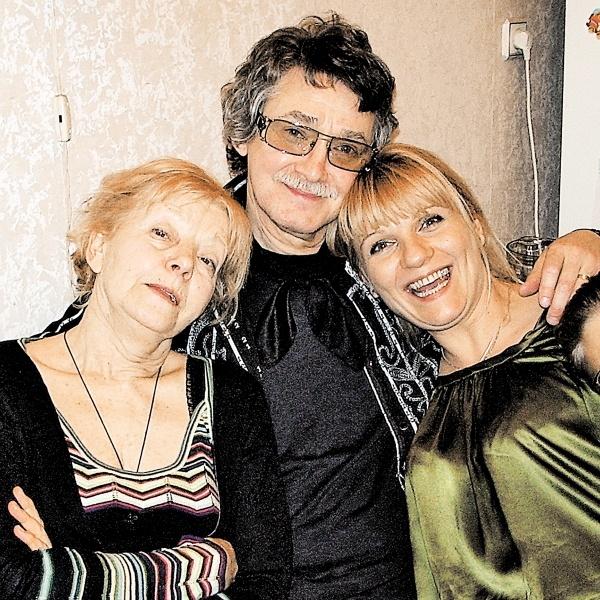 Анна Ардова с матерью и отчимом