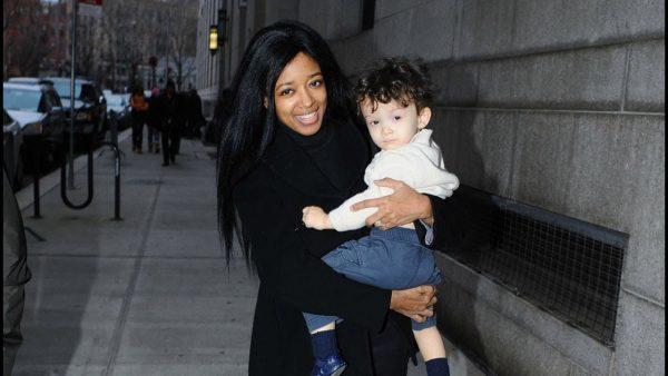 Стефани Адамс с сыном