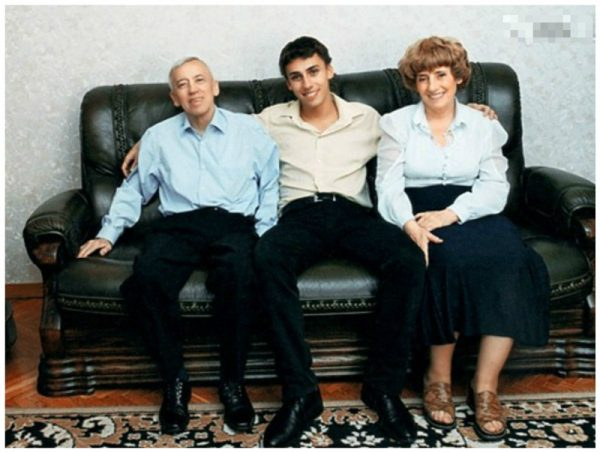 Максим Галкин с родителями