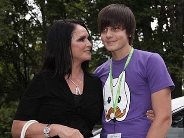 София Ротару с внуком Анатолием.