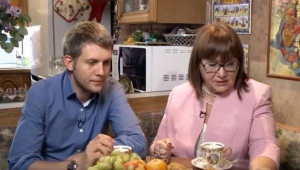 Борис Корчевников с мамой. yandex.ru