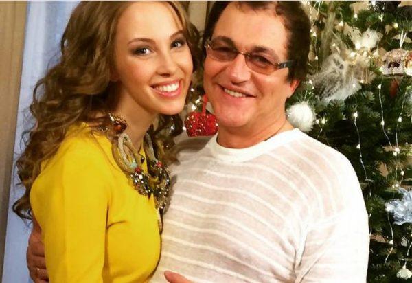 Дмитрий Дивбров с молодой женой