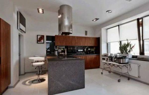 Кухня в доме Дмитрия Диброва
