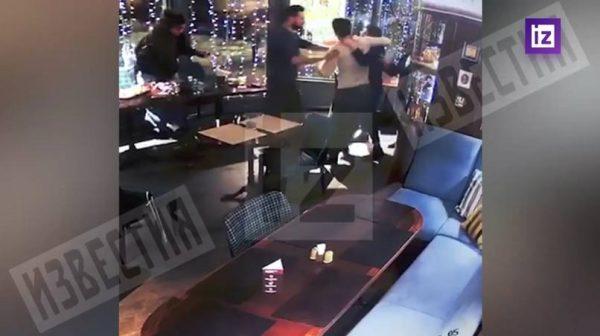 Скрин с видеозаписи в баре