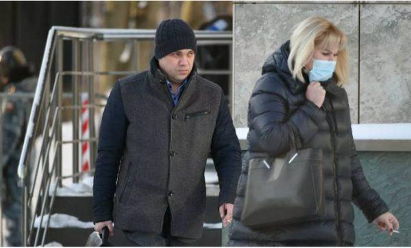 Адвокаты Навального ушли из суда через чёрных ход. Фото РИА Новости