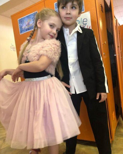 Различия в воспитании детей в семьях Киркорова и Пугачевой-Галкина