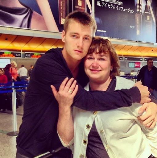 Алексей Воробьёв с мамой