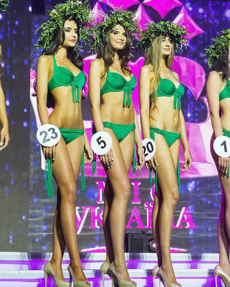 Яна Орфеева на конкурсе красоты