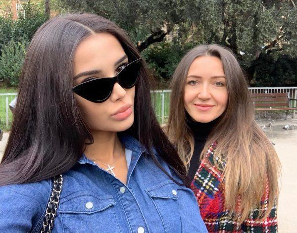 Яна Орфеева с мамой
