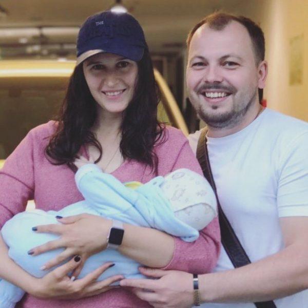 Ярослав Сумишевский с женой и сыном