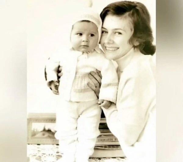 Дан Балан, детское фото с мамой