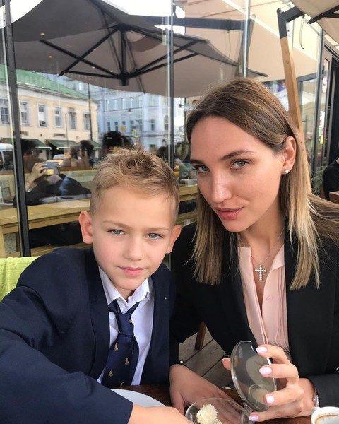 Дарья Янина с сыном сейчас