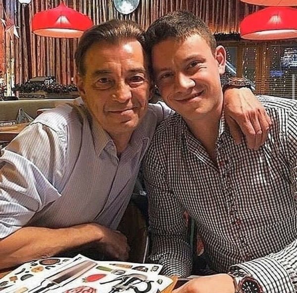 Николай Добрынин с сыном