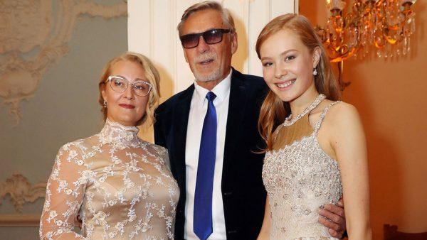Семейное фото Михайлова