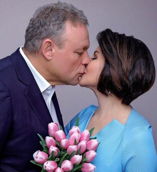 Жигунов целует Ворожбит