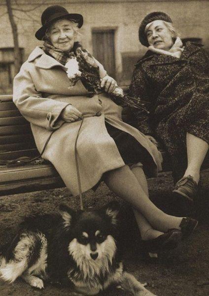 Раневская с собакой