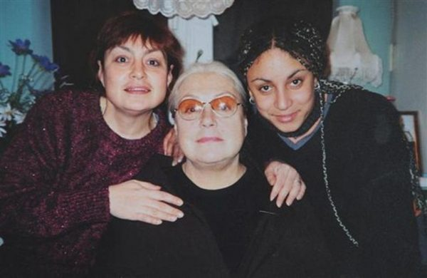 Лидия Федосеева-Шукшина с дочкой и внучкой