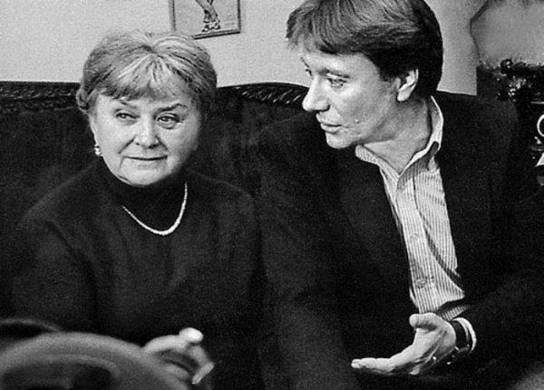 Андрей Миронов с мамой