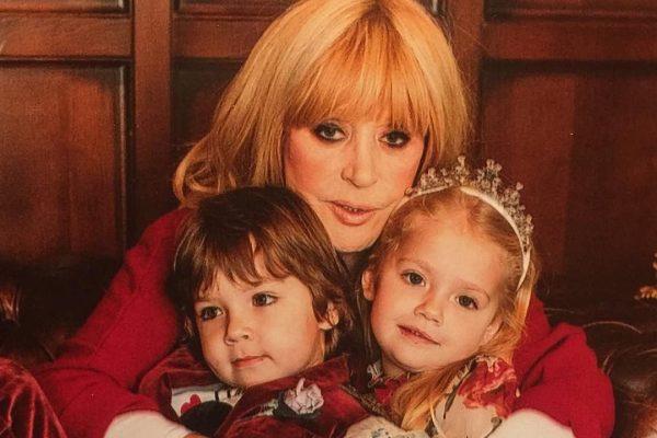 Алла Пугачёва с детьми