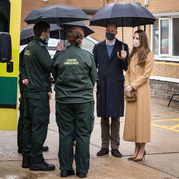 """""""Слегка гол*е ноги — еще один дерзкий выход красотки Кейт"""" - Герцогиня Кембриджская восхитила британок"""