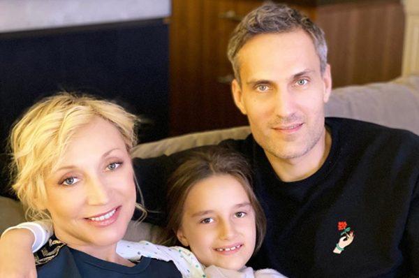 Отец поздравил Кристину Орбакайте с годовщиной свадьбы - и показал архивные семейные снимки