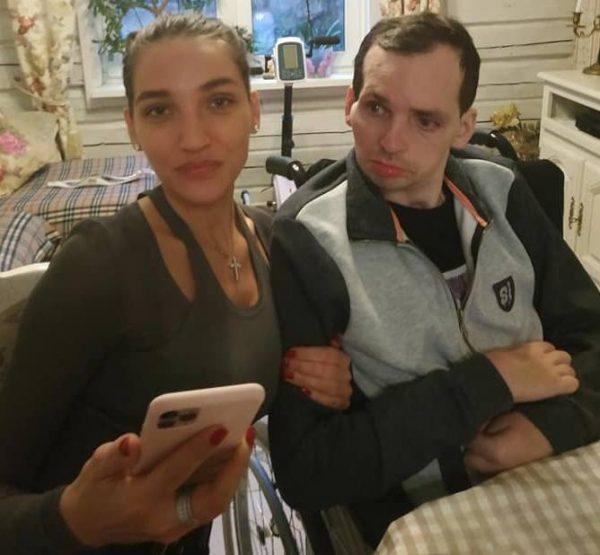 Дарья Янина и Алексей после инсульта