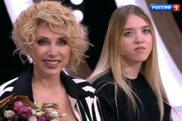 Елена Воробей показала перенесшую тяжелую болезнь дочь