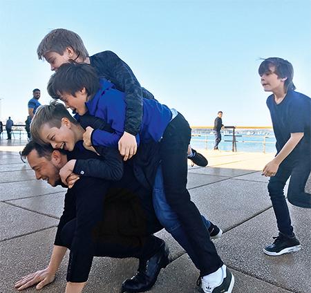 Илон Маск с сыновьями