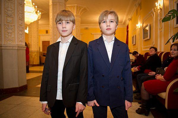 Шукшина бросила близнецов на отца на 6 лет. А затем забрала их у папы Вишнякова