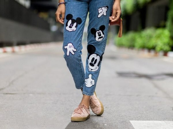 Женские джинсы: тренды 2021