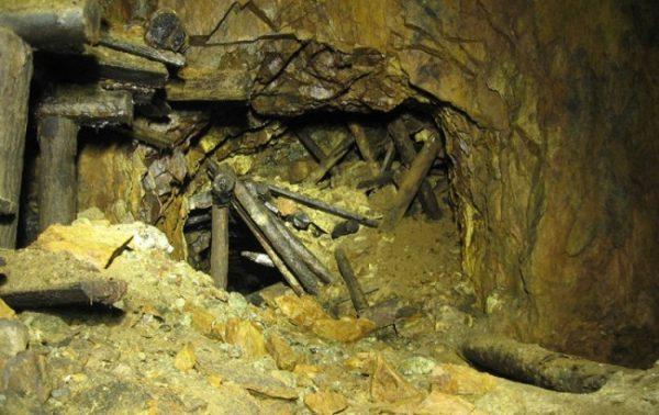 Завал в шахте. Фото proto-samoe.ru