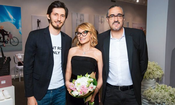 Эвелина Хромченко с сыном и Дмитрием Семаковым