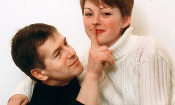Третья жена Ольга не имеет к театру и кино отношения - и это к лучшему, считает Игорь