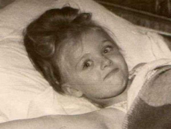 Елена Яковлева в детстве