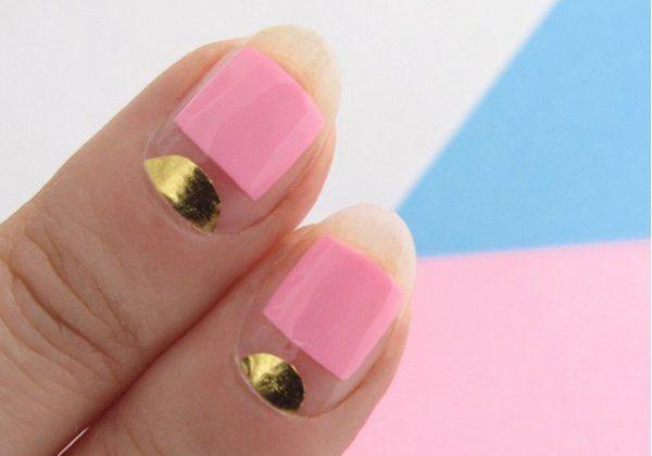 Нежный розовый маникюр с золотым