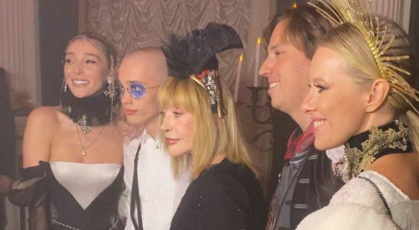 """""""Исторический момент"""" - Собчак показала, как Даня Милохин знакомится с Пугачевой"""
