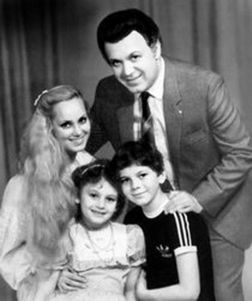 Нелли и Иосиф Кобзон с детьми