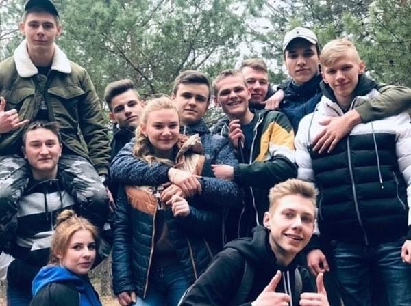 Владислав Бахов с друзьями