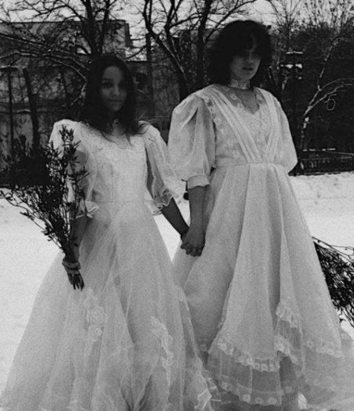 Ольга Бухарова с подругой. Скрин с видео