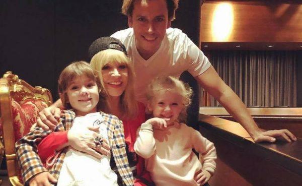 Максим Галкин и Алла Пугачёва с детьми