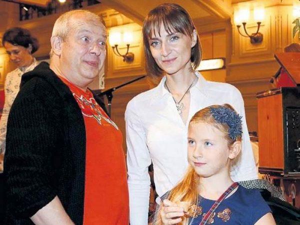 Марьянов с семьей