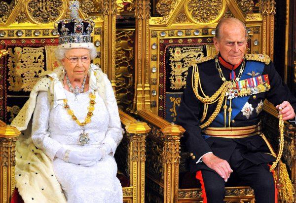Королева Елизавета II и принц Филипп в старости