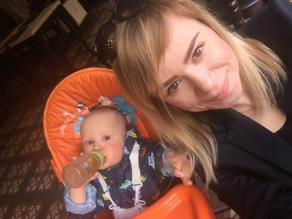 Карина Иванова с сыном