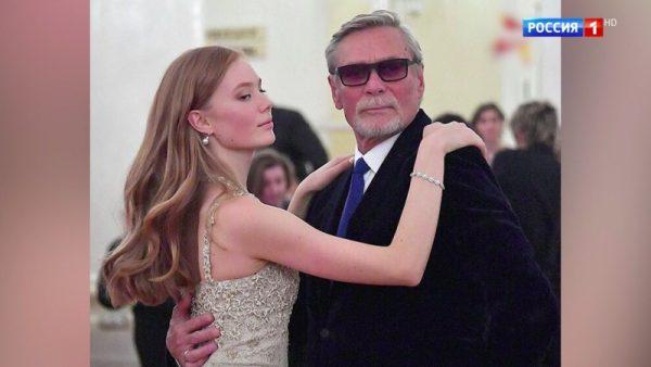 Александр Михайлов с дочкой