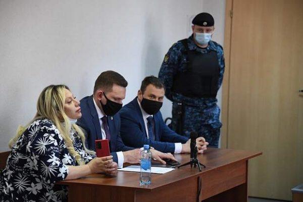 Оксана Богданова с адвокатами