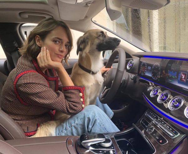 Зуева с собакой